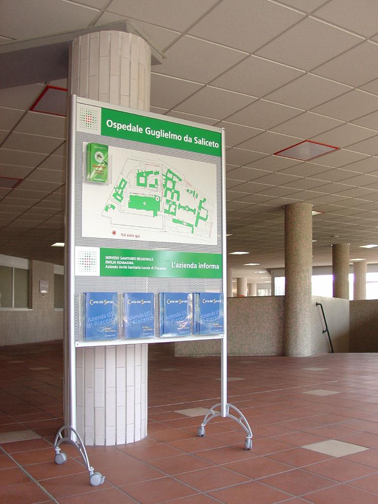 Microforo leaflet display seberg for Door 2 door leaflets